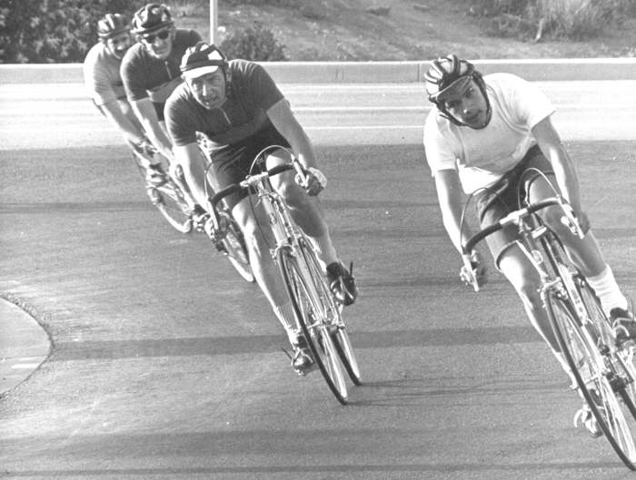 That's me, at the right, in my first race on my Gitane Tour de France. Cutoffs, leather helmet, t-shirt, nobody will deny the humble beginnings of my bike racing days!