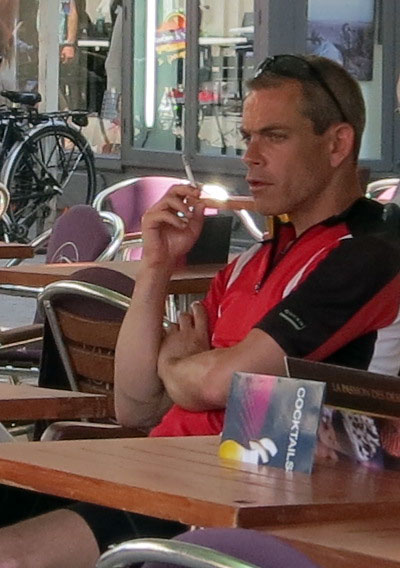 I still don't get smoking cyclists.